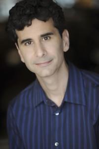 Actor: John E. Cariani, Personaje: Charlie Hertz, Película: SHOW TIME