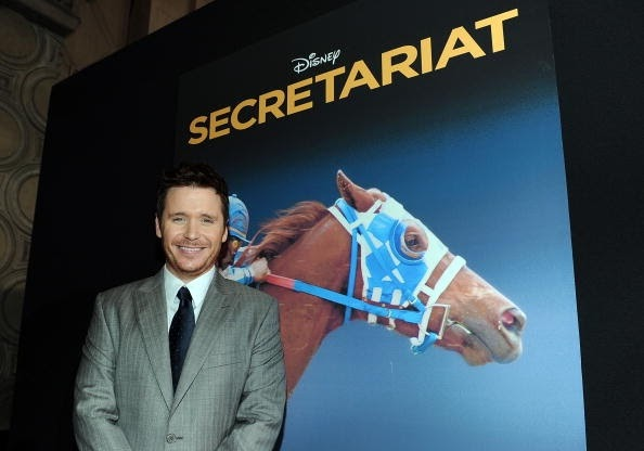 Actor: Kevin Connolly, Personaje: Bill Nack, Película: SECRETARIAT